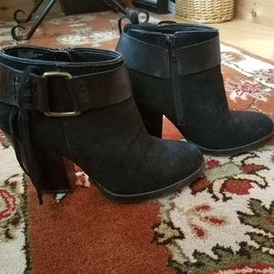 Kensie Black Massey Boot with Fringe, Size 7